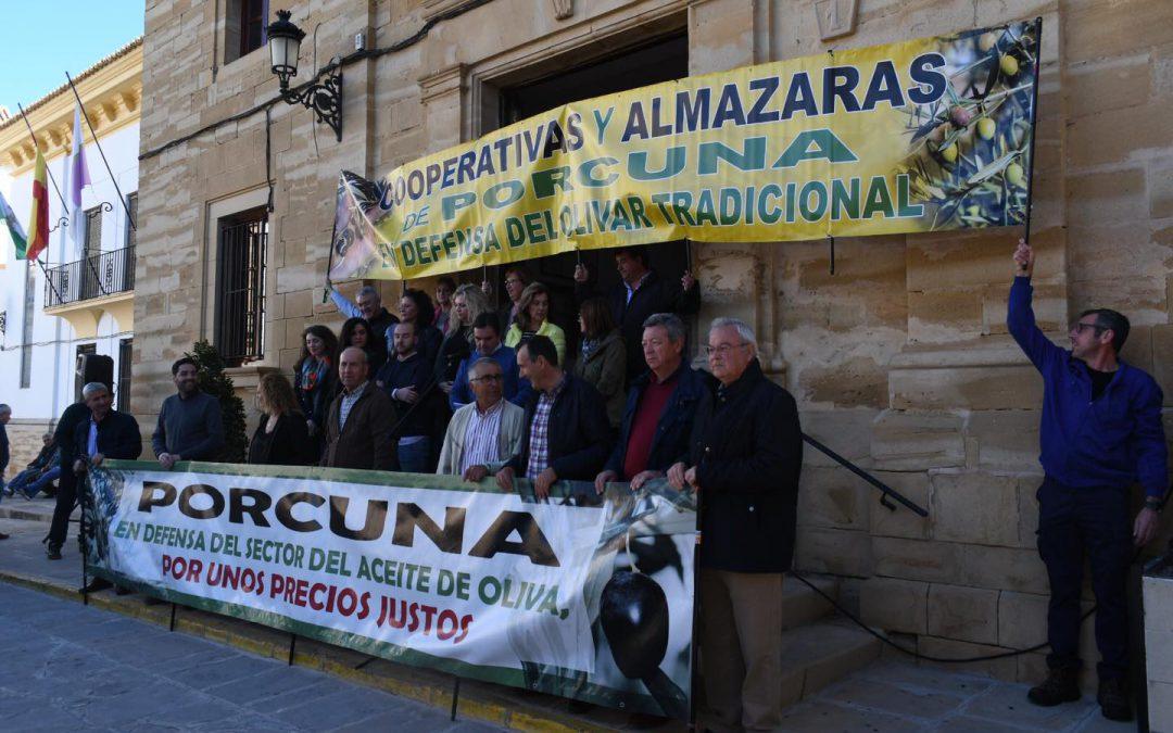 Olivareros de nuestra cooperativa reivindican precios justos para el aceite de oliva